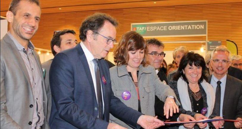 L'inauguration du salon TAF par Emmanuelle Gazel, vice-présidente de la région Occitanie ; Christian Teyssèdre, maire, et Monique Bultel-Herment pour la municipalité ruthénoise ; les représentants de Pôle emploi et de la mission locale.