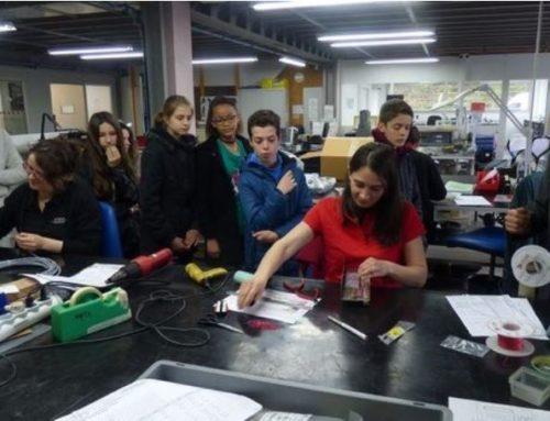 Les collégiens reçus à FEM Technologies
