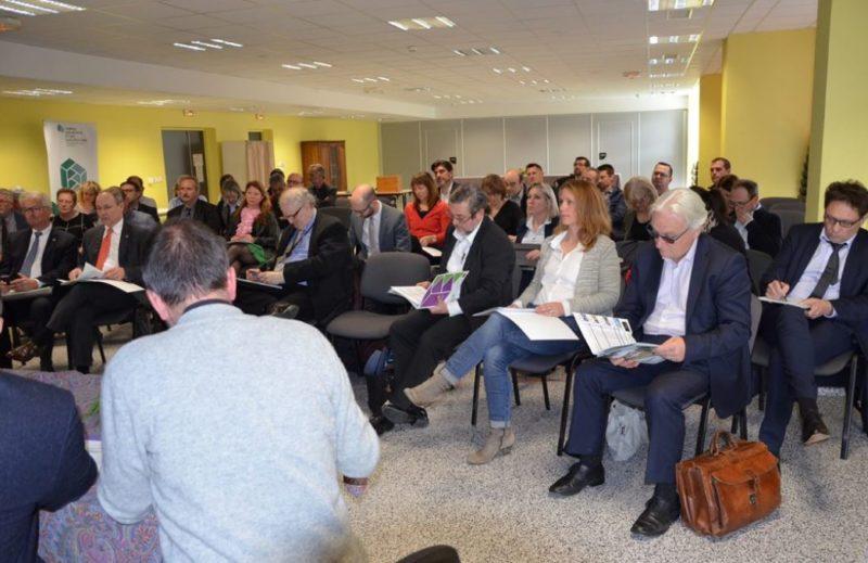 Les personnalités et les membres de l'association ont suivi les débats avec attention./ Photo DDM