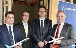 David Arragon, directeur général de Crouzet; Mike Dickinson, Boeing Commercial Airplanes; Jean-Marc Fron, DG de Boeing France. / Photo DR