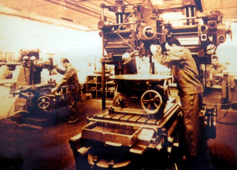 L'atelier principal de l'usine de Ceint d'Eau au milieu des années 50./ Collection privée- Raymond Delvert