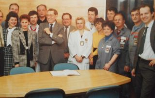 La direction et les cadres de la SAM à la fin des années 1980, avec au centre le directeur Pierre Hugot et le directeur de production M. Lorcha.