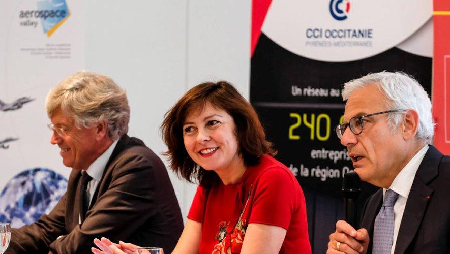 Carole Delga, présidente de la région avec Alain Di Crescenzo président de CCI Occitanie et de Yann Barbaux, président d'Aerospace Valley. / CR
