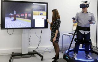 La première salle immersive Iomega et ses outils de réalité virtuelle permettent une immersion en situation et la simulation des prises de décisions./ Photo DDM IMT Mines