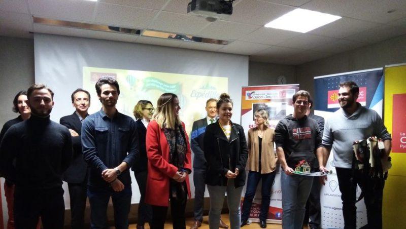 Les lauréats sur le podium