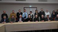 Les élus réunis autour de la directrice du CEA/Gramat